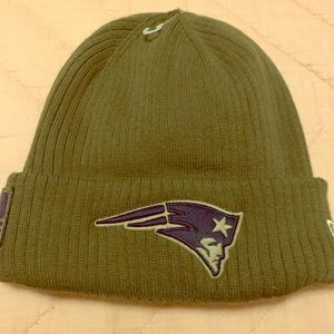 New England Patriots Salute to service Beanie NWT